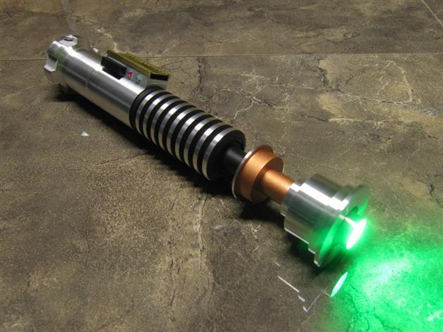 Battle-Sabers-LED-Star-Wars-Lightsabers-4