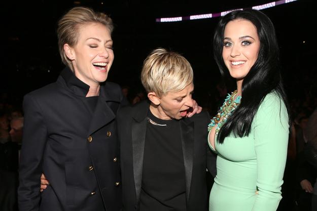 Ellen reacting to Katy Perry's Grammys Dress