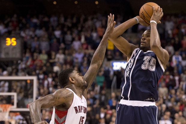 Kevin Durant Shooting the Game Winning Three-Pointer