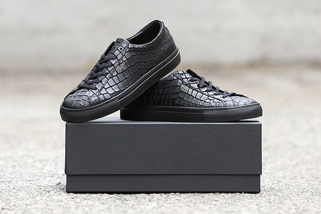 Axel Arigato Black Alligator Embossed Leather Low Sneaker