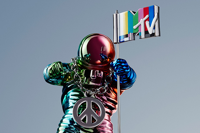 Jeremy Scott Redesign of the MTV VMA Moonman