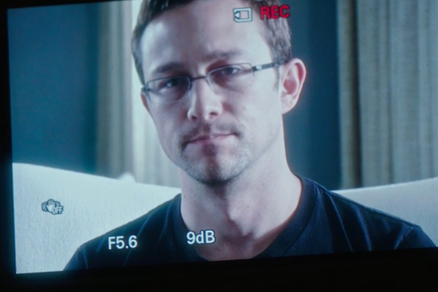 New Snowden Trailer Released at Comic Con 2016