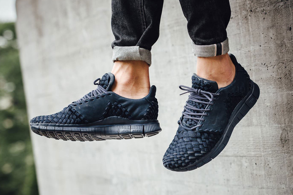 "Nike Adds ""Obsidian"" to the Free Inneva Woven 2"