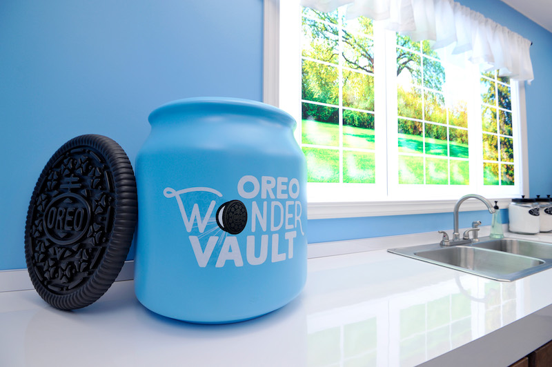 The OREO Wonder Vault Resurfaces In LA To Reveal OREO Choco Chip Flavored Cookies