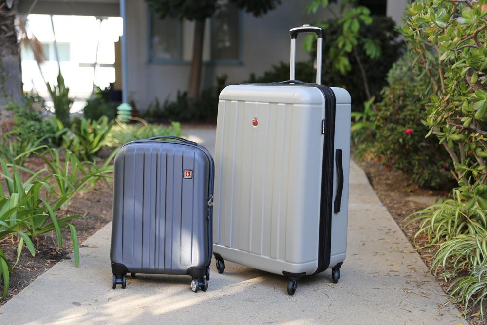 SWISSGEAR Hardside Spinner Luggage