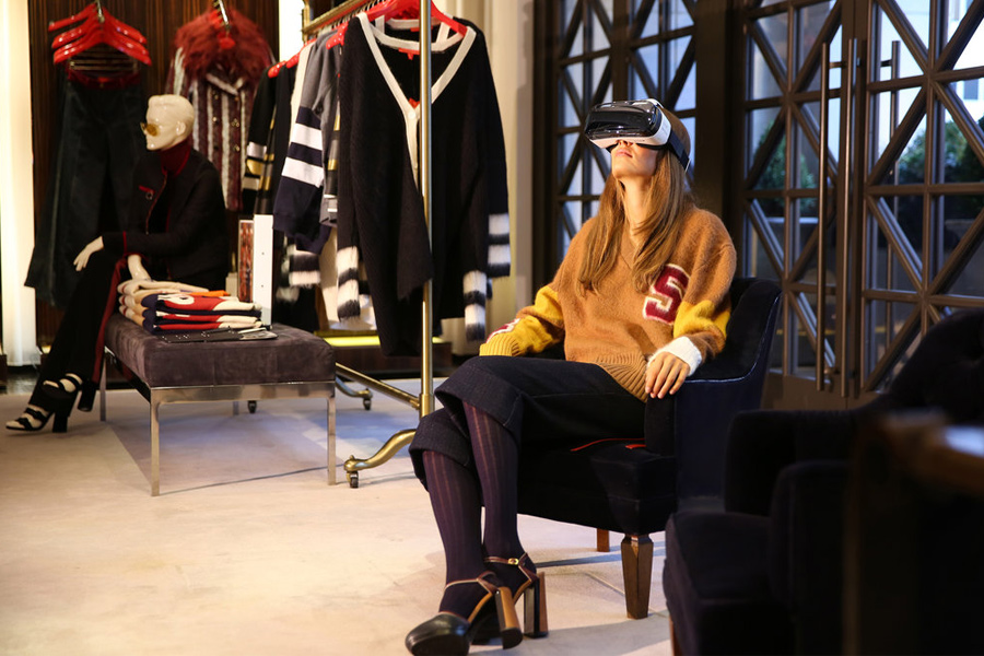 Tommy Hilfiger Virtual Reality blended with Luxury Fashion