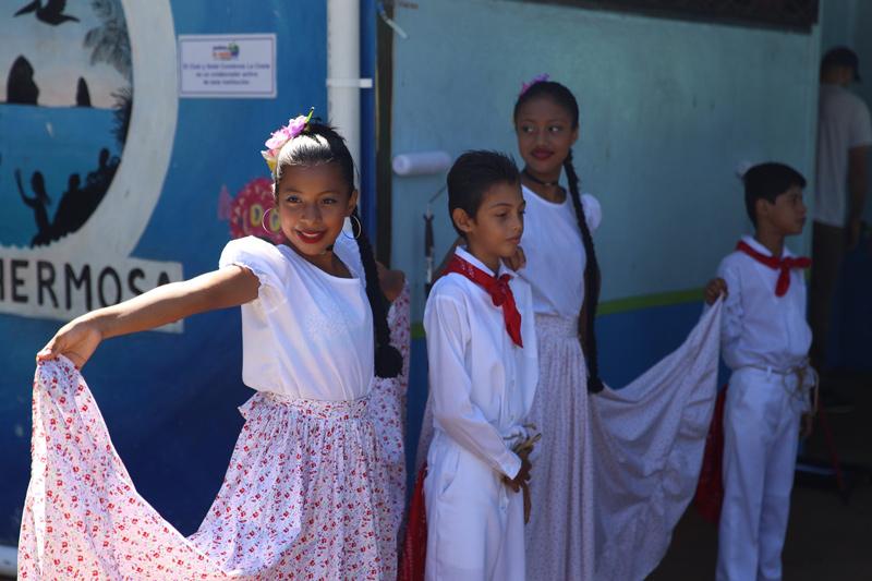 Volunteering at Creciendo Juntos School in Costa Rica
