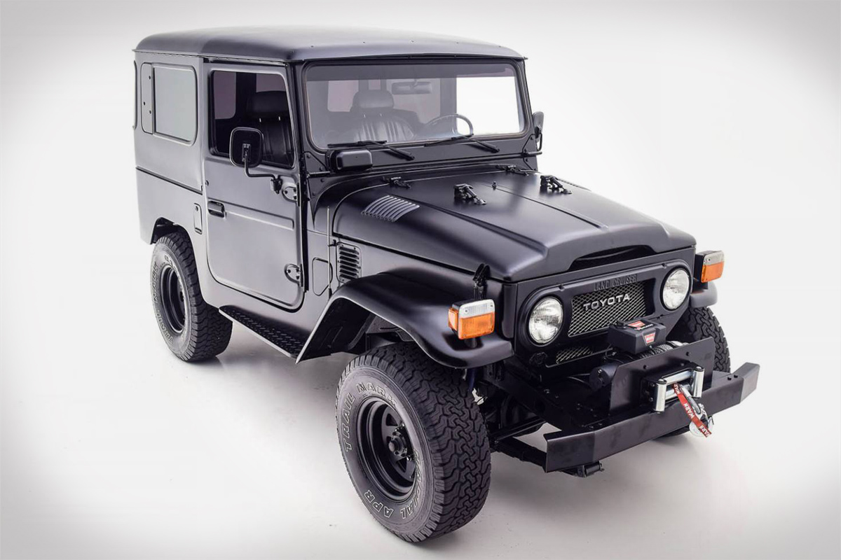 1979 Toyota FJ40 Land Cruiser in Matte Black