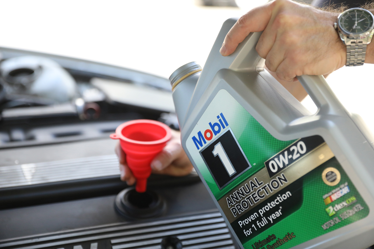 Benefits of doing your oil change yourself with synthetic for Synthetic motor oil change schedule