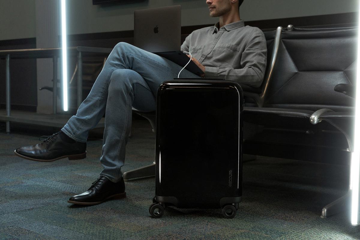 Incase NoviConnected Luggage