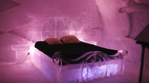 Hotel de Glace - Ice Hotel Bed