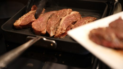 Cooking steak on the stove top