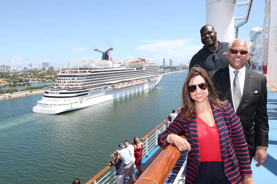 Carnival CFO, Shaquille O'Neal Welcomes Carnival Horizon to PortMiami