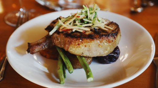 Pork chop with asparagus