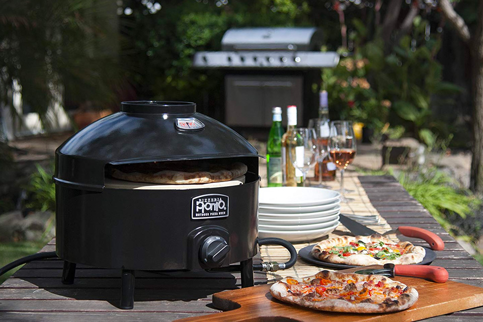 Pizza oven for outside
