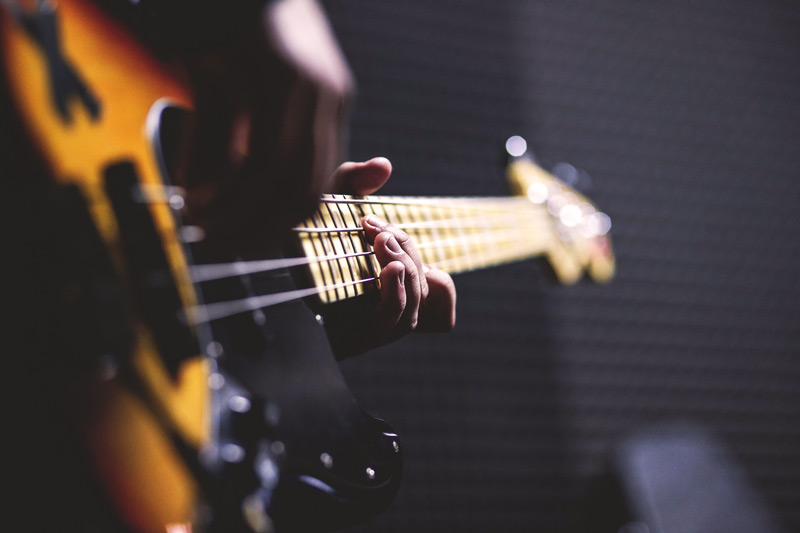 Learn how to play guitar online