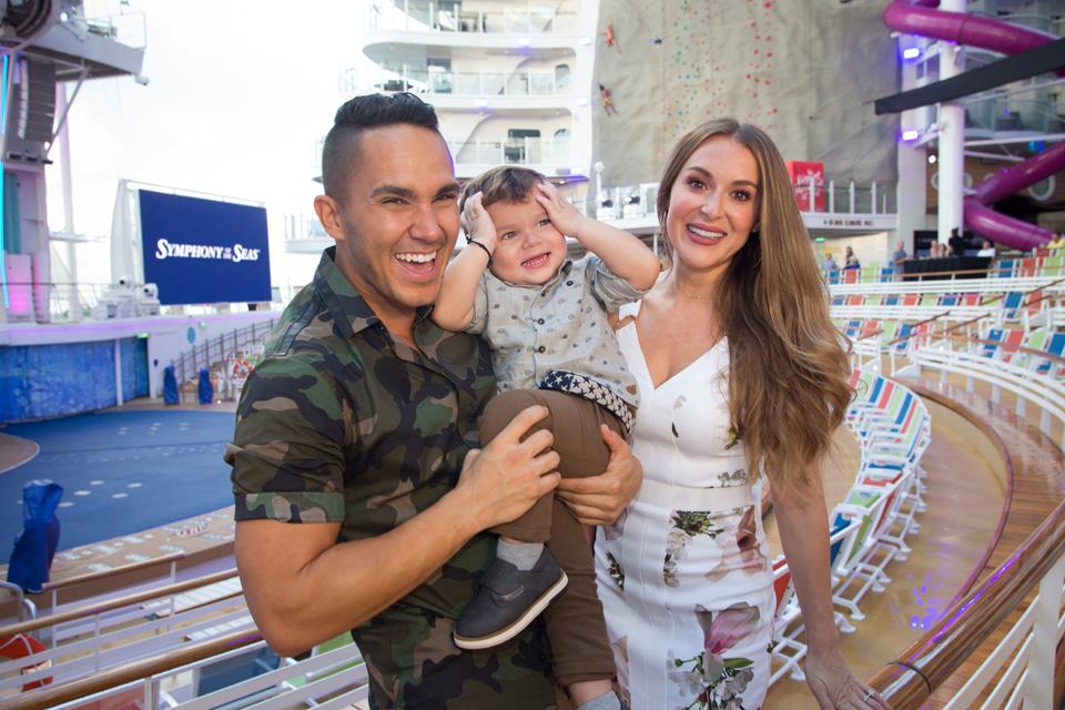 Symphony of the Seas God Family - Carlos and Alexa PenaVega
