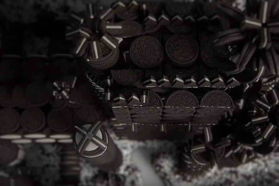 Game of Thrones intro made with Oreos