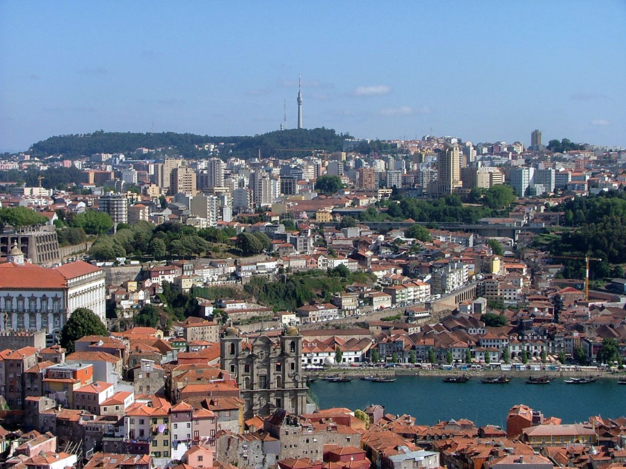 Vila Nova de Gaia seen from Porto