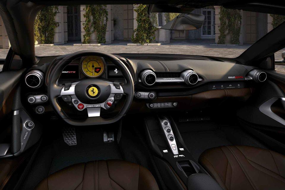 Ferrari 812 GTS Convertible Interior