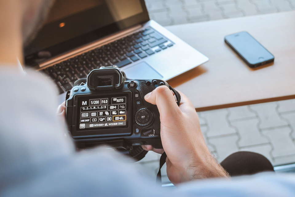 How to have a wedding photography business