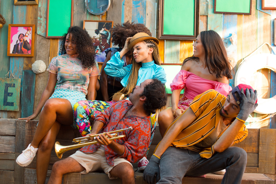 """Leslie Grace in """"Conga"""" music video"""