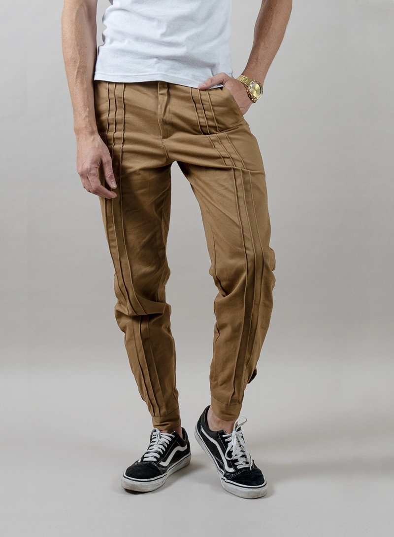 Fields Outfitting Triple Pleated Pants