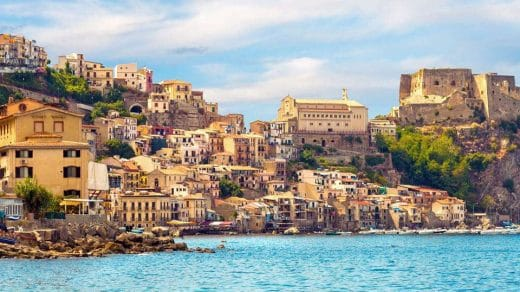 Calabria Italy will pay to move there
